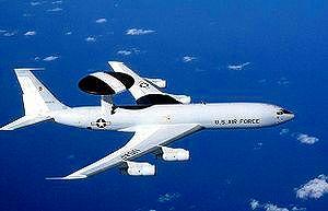 AWACSは空の管制塔。
